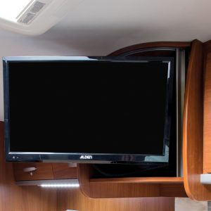 "Fully automatic satellite system incl. 22 ""TFT flat screen and integrated DVD player."